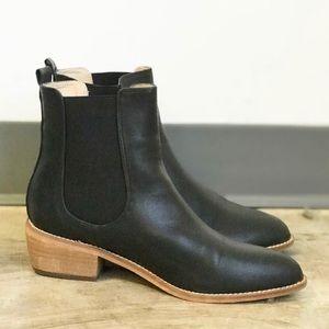 Never worn black Chelsea boots sz 10/40